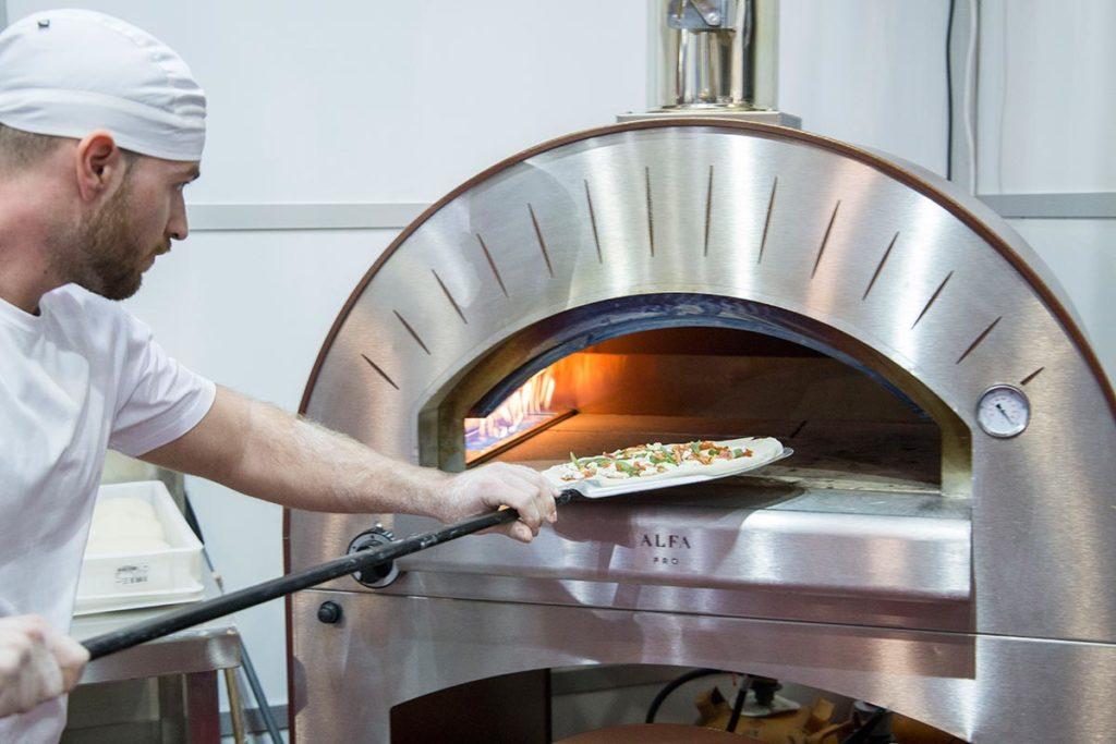 Proyecto 51 en el I Campeonato de Pizza Profesional de la Comunidad Valenciana con un Horno de Pizza Artesanal Alfa